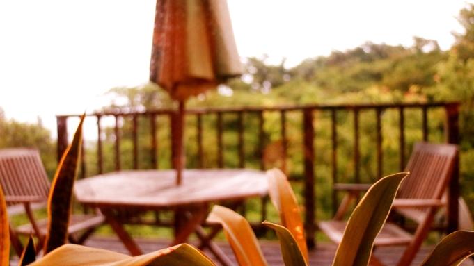 【1泊朝食付プラン】夜はのんびり到着もOK!自慢の絶景☆海一望の客室付半露天と朝食は自慢のあわび粥を