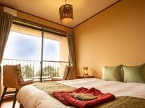 スタンダードダブル【風】標準洋室★海望む露天風呂付/ベッドが窓際にあるので開放的