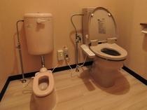 1F、2Fのトイレに幼児便器あります