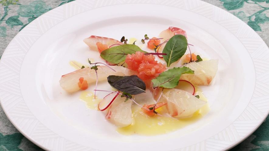 ■ぷりっぷりの真鯛のカルパッチョは、鮮度が味の決め手★★★