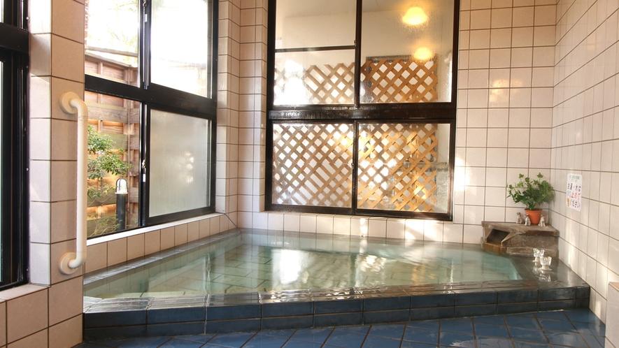 ■日差しが気持ちいい共同浴場