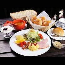 洋朝食は、日替わりスープは手作りのブイヨンが味のベースになっています