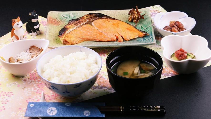 ■和朝食は、脂がのったキングサーモンは何度も食べたくなるお味