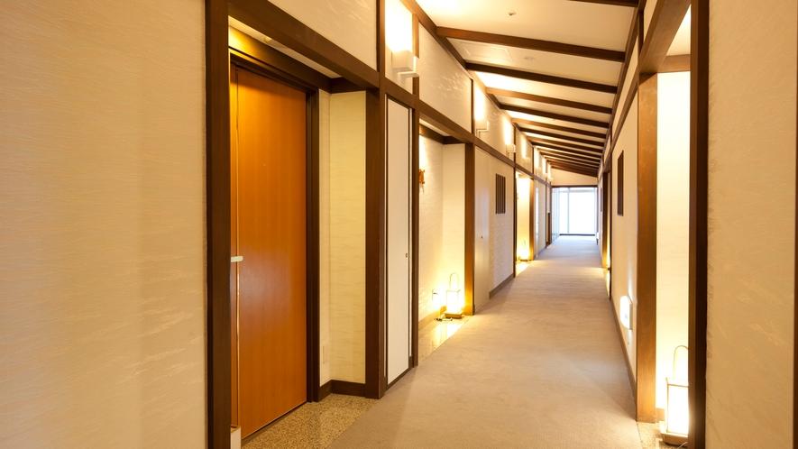 和室のフロアは、和の雰囲気漂う落ち着きある空間。
