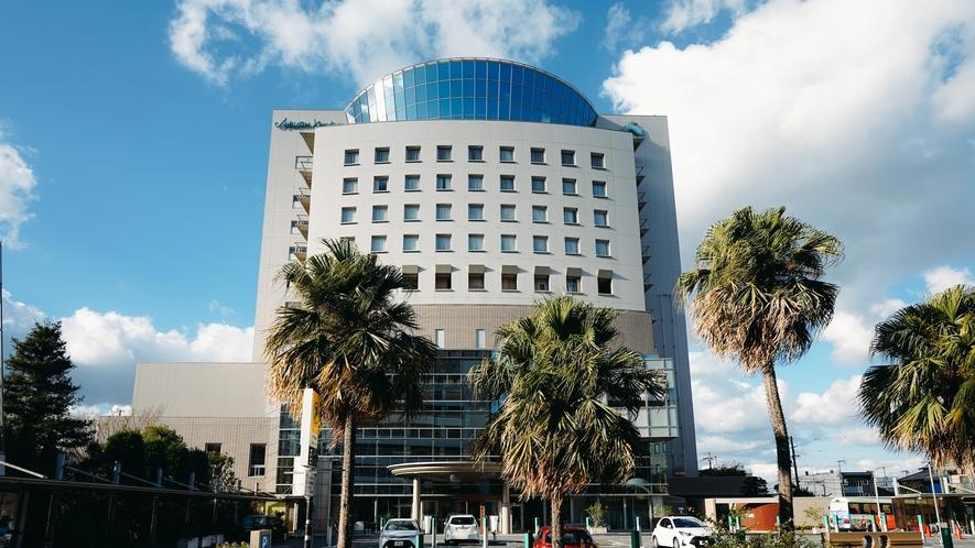 和歌山市の文化ゾーンに位置する当ホテル。地域一番の温かさでお出迎えさせていただきます。