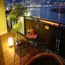 夜景が綺麗に見える露天付客室(信楽焼タイプ)