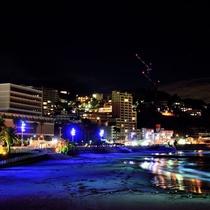 夜の熱海サンビーチ・ライトアップ