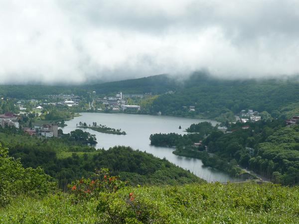 初夏の車山高原から白樺湖を眺望
