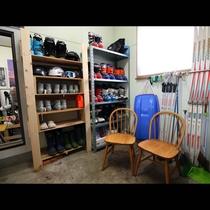 【乾燥室】スキー・スノボを楽しんだらここでウェアや板を乾燥できて便利♪