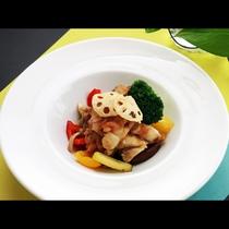 【肉料理】お肉と一緒に季節の野菜のチャンボッタを楽しめます