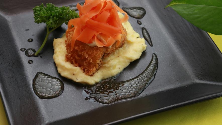 【魚料理】タルタルソースも自家製です