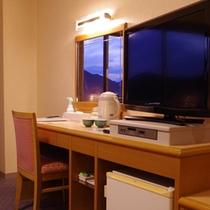 <お部屋の様子>広々快適な空間でお寛ぎください。