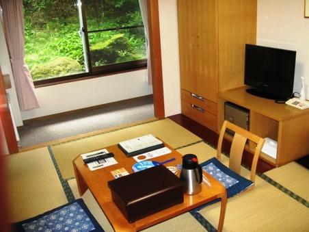 【斜面側】和室6畳(禁煙・トイレ付)Wi-Fi完備(無料)