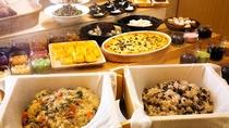お客様の晴れの日は「赤飯」や「季節のおこわ」をお楽しみください。