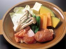 地鶏と野菜の陶板焼き