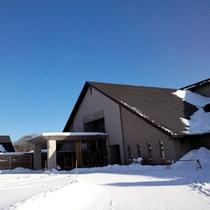 本館玄関前 雪景色