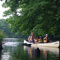 自然と遊ぶ 湖上散策 カナディアンカヌー