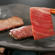 お好みの焼き加減で地元ブランド牛「福島牛」をお楽しみください。
