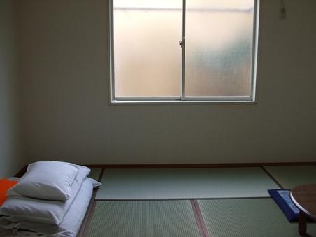 和室8畳・権現温泉引き湯(バス・トイレ付)〜4名様