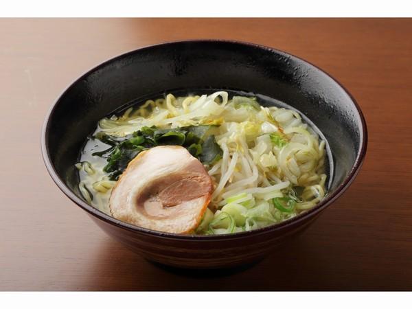 野菜たっぷり塩ラーメン(680円)