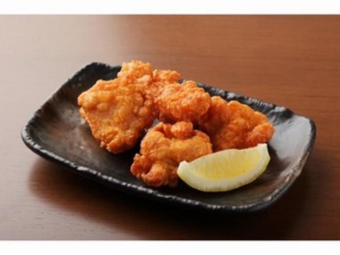 鶏の唐揚げ(360円)