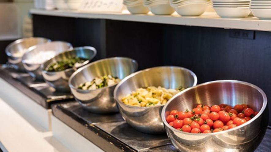 夕食ミニビュッフェ サラダコーナー
