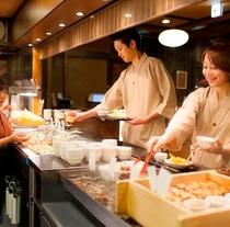 【夕食】ビュッフェカウンター