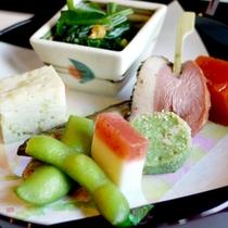 【夕食一例】北陸・若狭の季節の食材を会席でご堪能下さい。