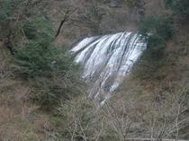 三六亭から望む袋田の滝