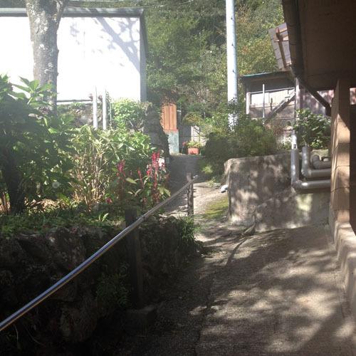 山里の湯への道5