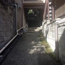 山里の湯への道3