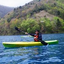 奥四万湖カヌー体験