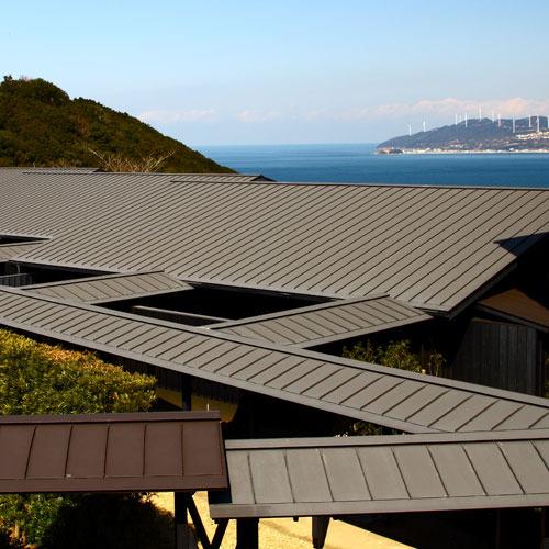 鳴門海峡を眺めながら特別な一日をお過ごしください。