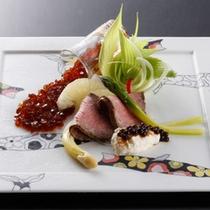 【夕食一例】細部にまでこだわった美食の数々をご提供。