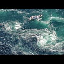 ダイナミックな渦潮を間近で体感できる鳴門観潮船