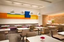 1F Lounge