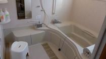 コテージの浴室(バリアフリー棟)