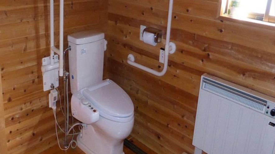 全棟ともシャワートイレ完備です。暖房用パネルヒターもついています。