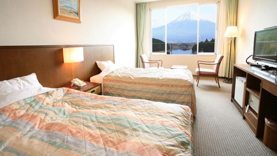 洋室 禁煙 お部屋からも富士山がご覧いただけます。