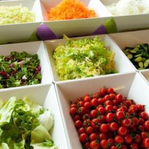 サラダも充実!中でも地元産のプチトマトは絶品です♪