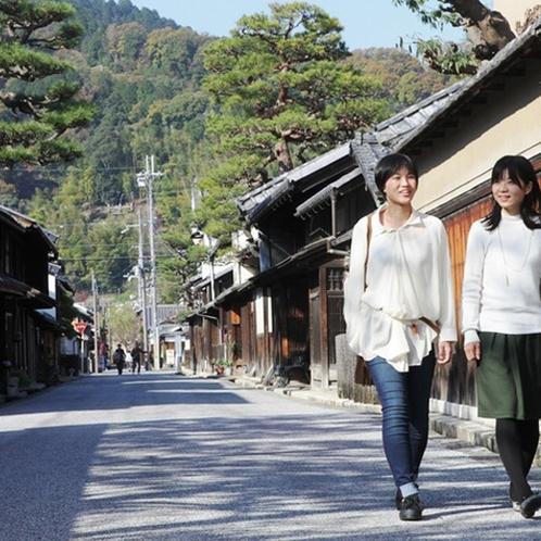 近江八幡 八幡堀付近には 趣のある古い街並みがあります。