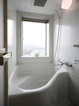 半身浴ができる客室バスルーム