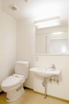 洗面トイレ トイレとバスルームは別々の独立構造