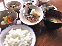 朝食(和食・日替わり)