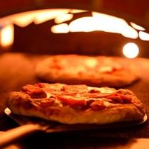 バイキングメニュー一例『石窯で焼く焼きたてピッツァ』