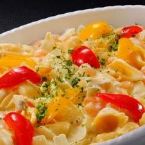 7月メニュー一例『海老とコンキリエのクリーム煮』