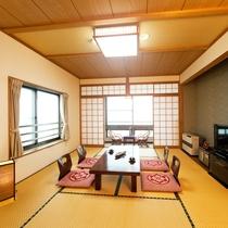 *【客室/新館10畳】明るく綺麗な空間で快適なひとときをお過ごし下さい。