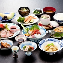*【夕食一例/スタンダード】山の幸&日本海の幸をふんだんに使用した和会席をどうぞ。