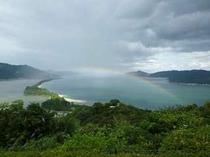 【虹のかかる天橋立】「天橋立」といえば「股のぞき」。虹がかかる、こんな景色も