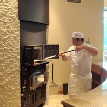 【石釜レストラン MON】特製の焼窯で焼く、焼物は素材の味の豊かさを最大限に引き立てます
